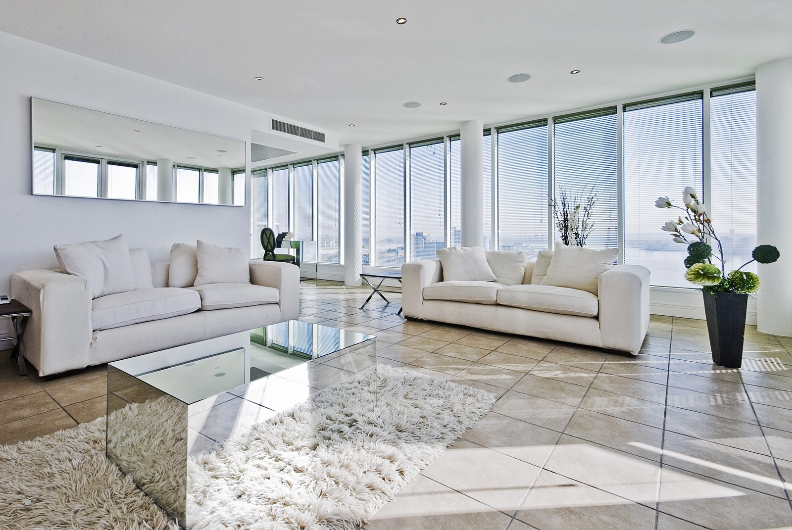 Check if You Need Glass Repair Services to Stop Air Leaks in Your Home